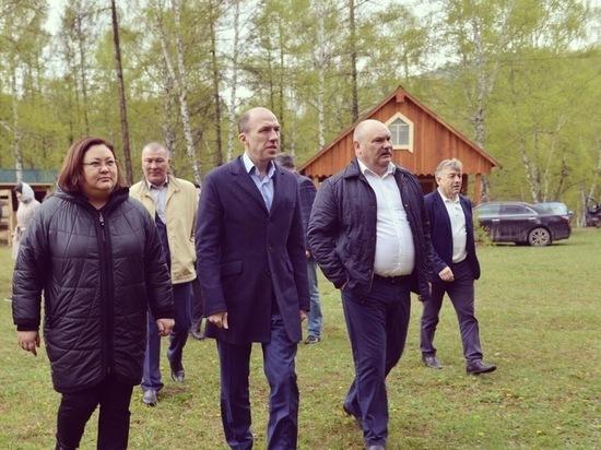 Жители  Усть-Коксинского района не смогли попасть на встречу с врио губернатора Республики Алтай