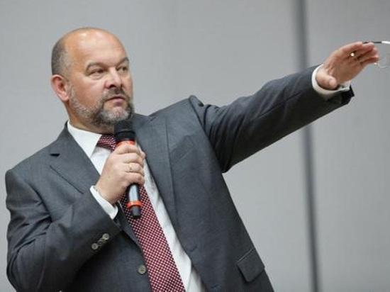 Орлов обозначил свои отношения с народом – жалуется на него в Верховный суд