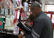 Налоговики проверяют кассовую технику в торговых центрах Кирова
