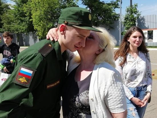 Москвичей начали массово отправлять в войска