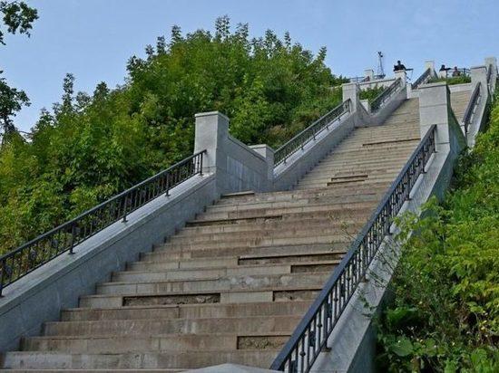 В Кирове к 1 сентября должны отремонтировать 12 лестниц