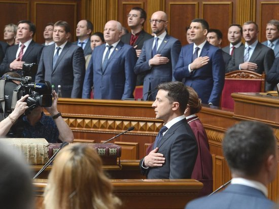 """Новый лидер страны """"начал приписывать народной воле собственные прихоти"""""""