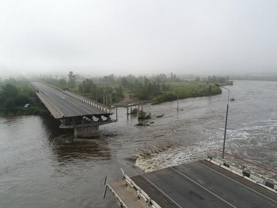 Временный мост взамен смытого наводнением построят в Чите к концу года