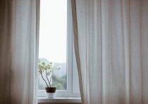 Пытавшийся залезть в окно подросток сломал копчик в Ноябрьске
