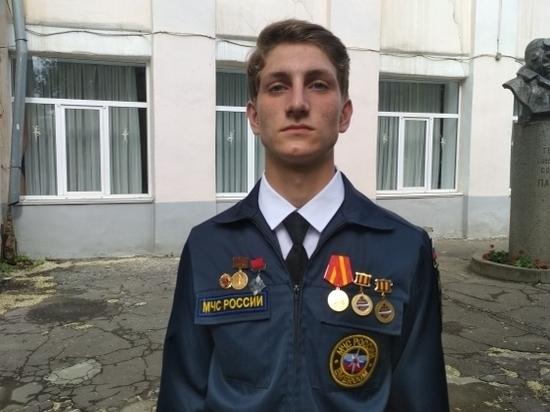 Волгоградского девятиклассника наградили знаком «Горячее сердце»