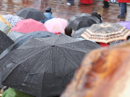 В Свердловской области ожидаются сильный ветер и дождь