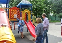 На пяти детских площадках Калуги выявлены нарушения