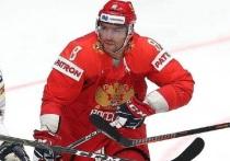 В матче четвертьфинала чемпионата мира по хоккею Россия - США после двух периодов сет  2:1 в пользу России