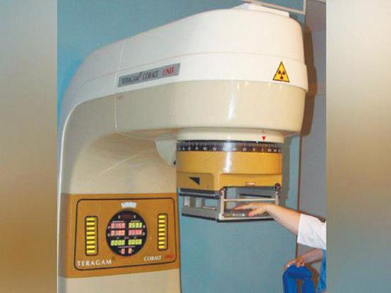В онкодиспансере аппаратом для облучения метастаз насмерть раздавило женщину