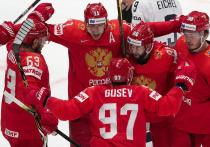 Российские хоккеисты обыграли в 1/4 финала сборную США и вышли в полуфинал мирового первенства. Встреча с американцами завершилась со счётом 4:3. Заслуженный тренер России комментирует победу нашей сборной над командой США.