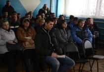 Рабочие Светлинского завода питаются практически только обещаниями