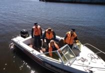Желающие стать владельцами права на управление маломерным судном, сдавали экзамены в Юрьевце
