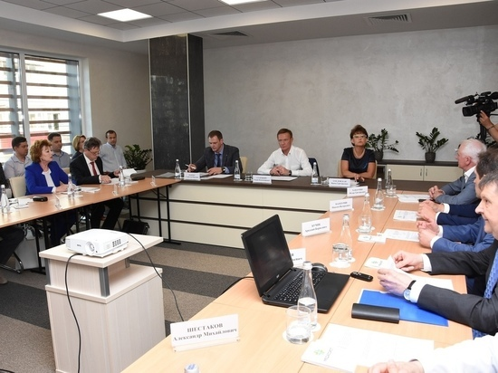 В администрации Курской области обсудили развитие курской медицины