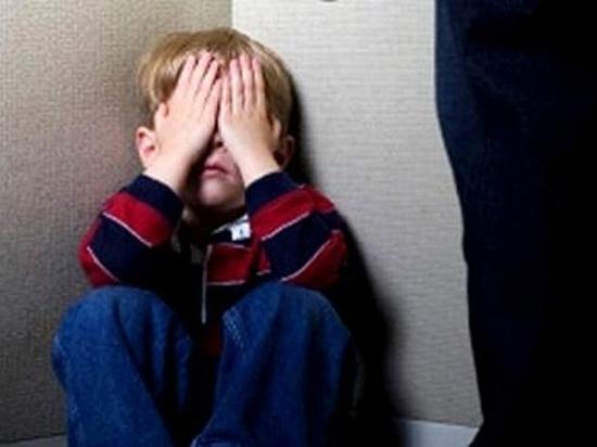 Житель Воронежской области систематически истязал трех малолетних детей