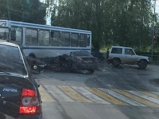 В Ростовской области водитель «Дэу» врезался в автобус