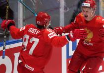Сборная России провела образцовый матч в четвертьфинале против США и гарантировала себе еще два матча на этом чемпионате мира - один с Финляндией, а еще один будет или финалом (мы надеемся) или за третье место.  И на правах победителей американской команды мы отмечаем - отличная формула у турнира, нам нравится.