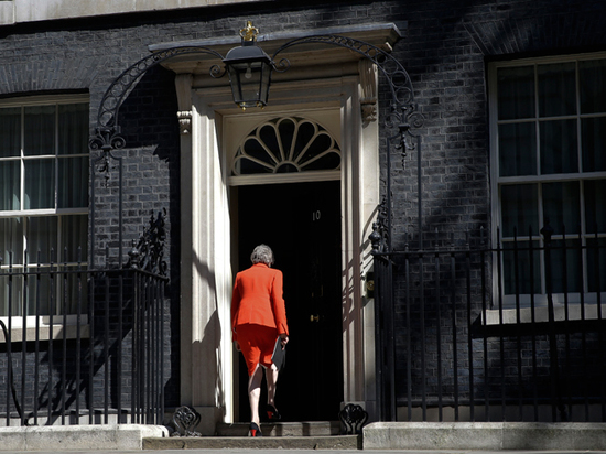Тереза Мэй заявила об отставке: кто станет новым премьер-министром Великобритании