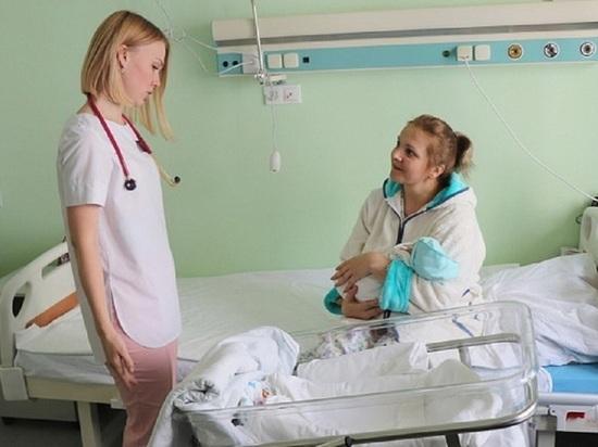 Еще не рожденному малышу алтайские медики сделали переливание крови
