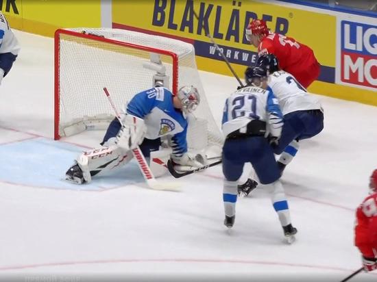 Россия и Финляндия завершили вничью первый период хоккейного полуфинала