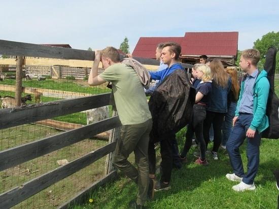 Учащиеся Рамешковской школы посетили семейную экоферму
