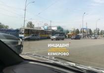 Возле вокзала в Кемерове столкнулись два трамвая