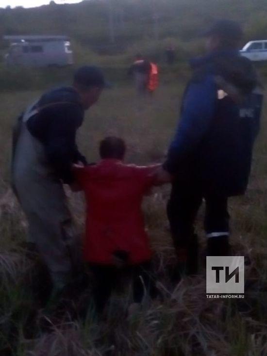 В Татарстане женщину спасли из болота