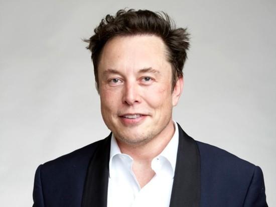 Илон Маск стал лидером рейтинга руководителей по зарплатам
