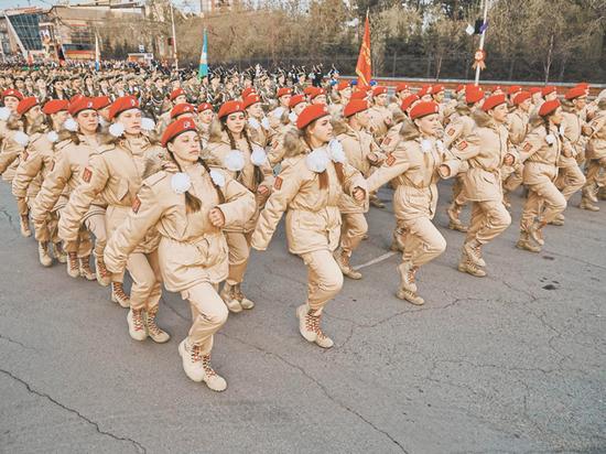 Участие в патриотическом движении учтут при поступлении в военный вуз