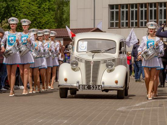 «Золотая тень Кёнигсберга»: элегантность ретро автомобилей и восхищение зрителей