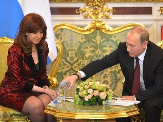 Песков оставил без ответов вопросы о подарках Путина де Киршнер