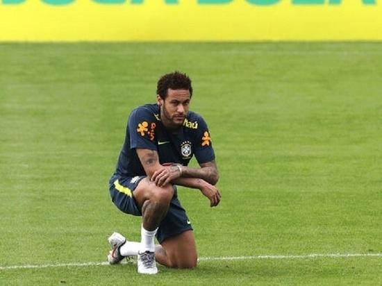 Тренер сборной Бразилии лишил Неймара капитанской повязки