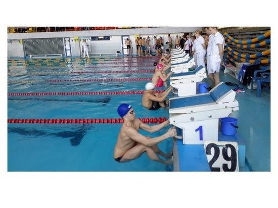 Курсант из Серпухова завоевал награды областного чемпионата по плаванию