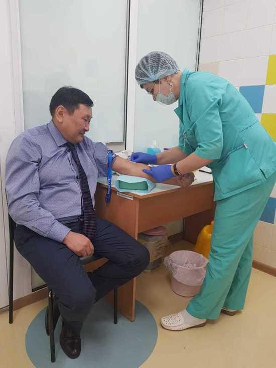 В Бурятии призвали к отставке министра здравоохранения Дамбинимы Самбуева