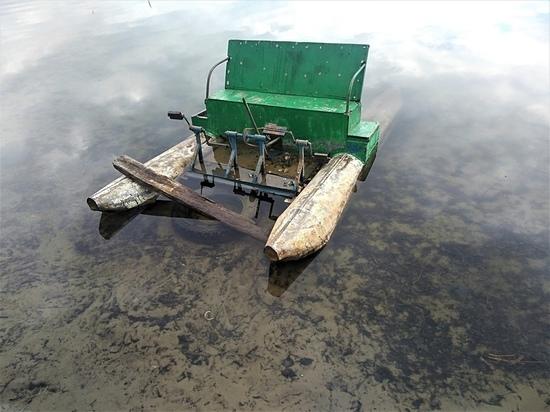 Экологи сообщили о завалах мусора на озере Силикатном