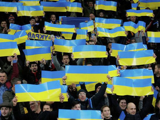 Команда должна была сегодня провести первый матч против Боснии, но вместо этого улетела в Киев.