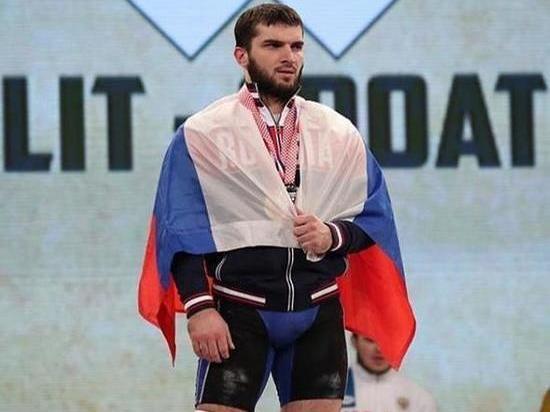 Чеченский штангист подрался с охранниками после кражи продуктов в супермаркете