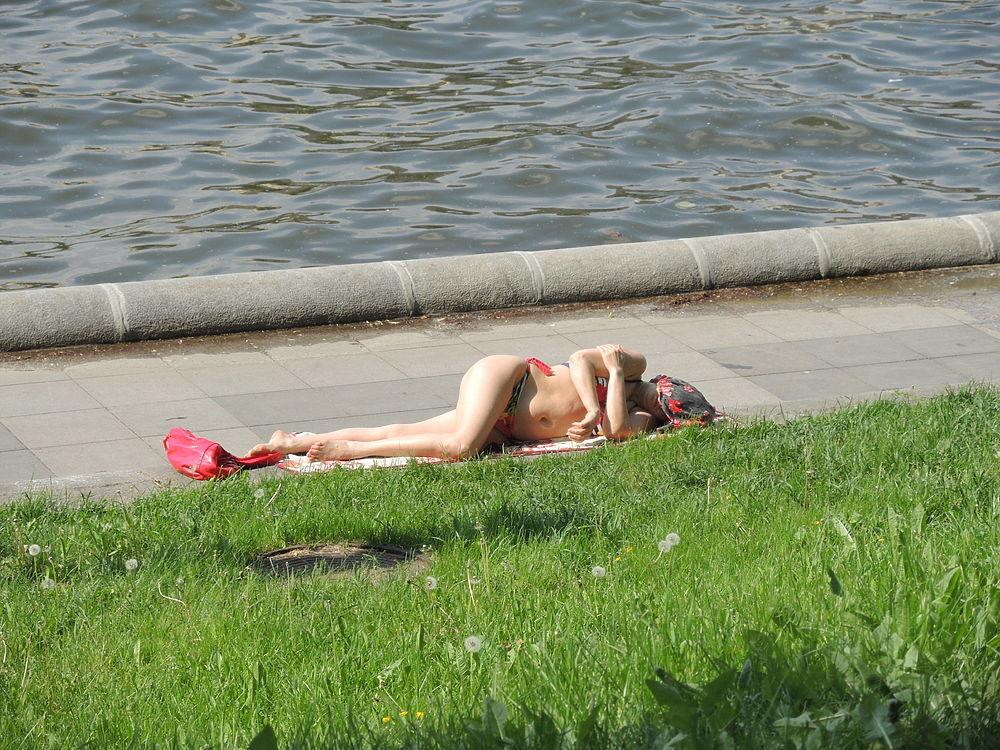 Самый жаркий день с начала 2019 года: как охлаждаются москвичи