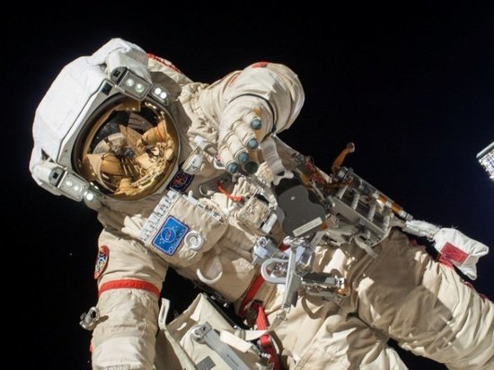 Ярославский космонавт провел рабочий день в открытом космосе