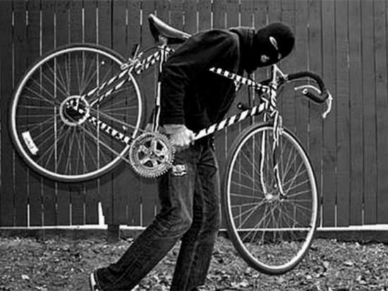 Калмыцкие воришки тащат продукты, велосипеды, домкраты
