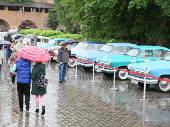Более ста раритетных автомобилей ГАЗа были выставлены в Нижегородском кремле