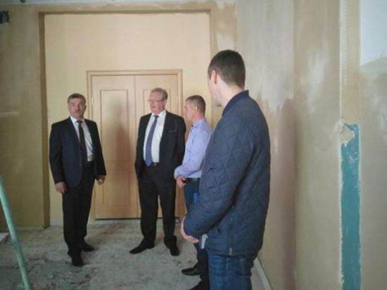 Исполнение поручений губернатора проинспектировал Эдуард Зайнак в Шекснинском районе