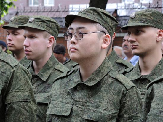 Иностранцам ограничат срок службы в армии