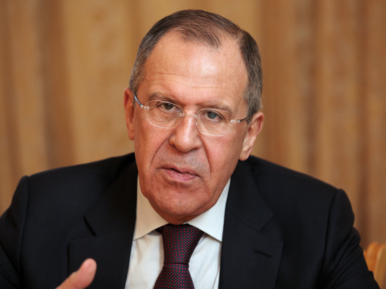 Лавров заявил, что российская сторона предложила Японии полностью отменить визы