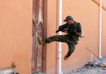 В Немане мужчина выбил соседу дверь в квартиру и обворовал его