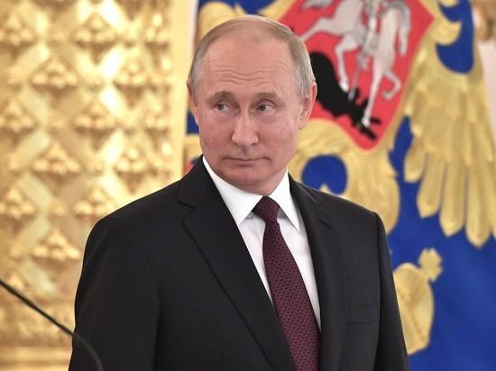 В связи с рейтингами Путина Песков признал ошибки социологов