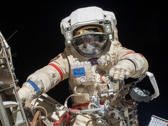 Рыбинский космонавт Алексей Овчинин принес из открытого космоса полотенце