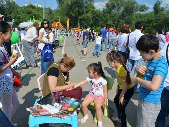 День защиты детей в калмыцкой столице отметили широко