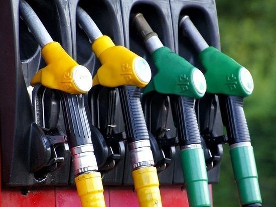Бензин за ночь подорожал в Калуге