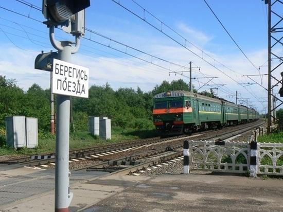 Мотоциклист погиб под колесами поезда в Забайкалье