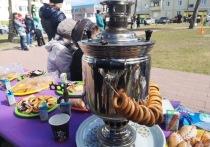 В Ноябрьске День соседей отметили шашлыками, танцами и чаем из самовара
